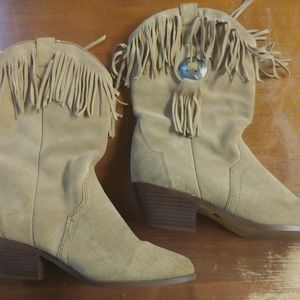 Women's Size 5.5 Genuine Leather Fringed Boot Guc